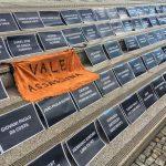 No dia da Assembleia de Acionistas, sede da Vale amanhece com memorial pelas vítimas de Brumadinho